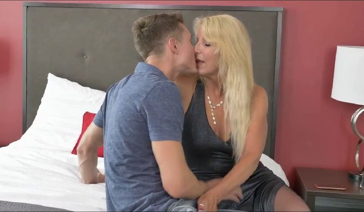 Blowjob - Stunning Canadian Milf Bianca And He Lover