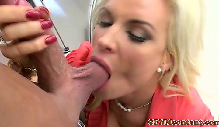 Handjob - Cocksucking Cfnm Milfs From Britain